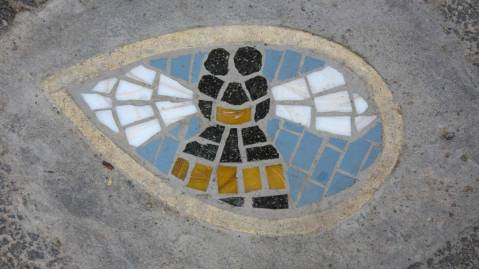 mosaic-bee